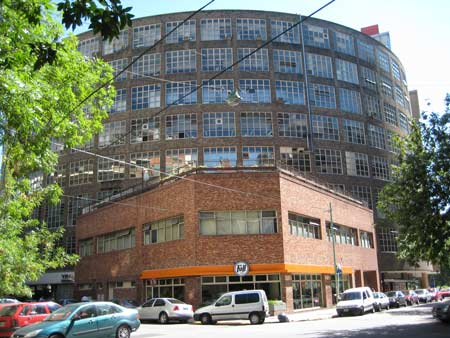 Large building in back is Puget Automaker's Office Building in Buenos Aires (Possibe quarters for Octo-Mom?)