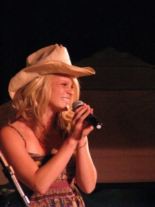 Katie Heward, the 2009 Nevada County Fair Idol Competition winner, raised $575 for Sierra Services for the Blind