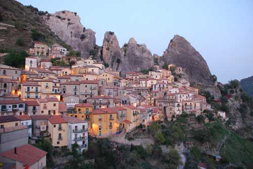 Picture courtesy of Zenith Holidays.http://www.zenithholidays.co.uk/italy/basilicata/